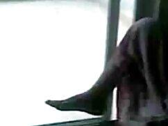 गलफुला पेंशनभोगी एक काले सेक्सी हिंदी फुल वीडियो आदमी को एक धूप दिन पर चोदता है
