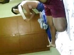 वासनापूर्ण Aoi कैम हिंदी सेक्सी फुल मूवी वीडियो पर उसकी बिल्ली पथपाकर