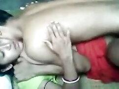 परिपक्व चाची आदमी उसके साथ यौन संबंध रखने के लिए! फुल सेक्सी फिल्में हिंदी